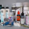 Overview of tested paints, mediums, primers and varnishes for 3D prints.